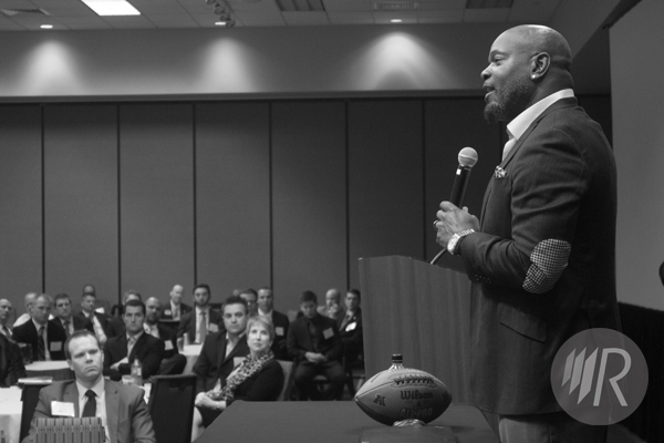 Iowa_Expo_2014_Emmitt_Smith_Medium_Side_BW_Web_Marked